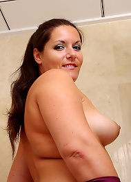 Robyn meade nude images
